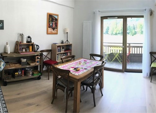 Charming Sunny Apartment near Centre of Morillon'