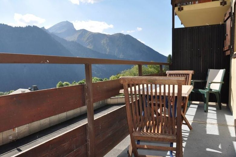 Apartment above Chatel'