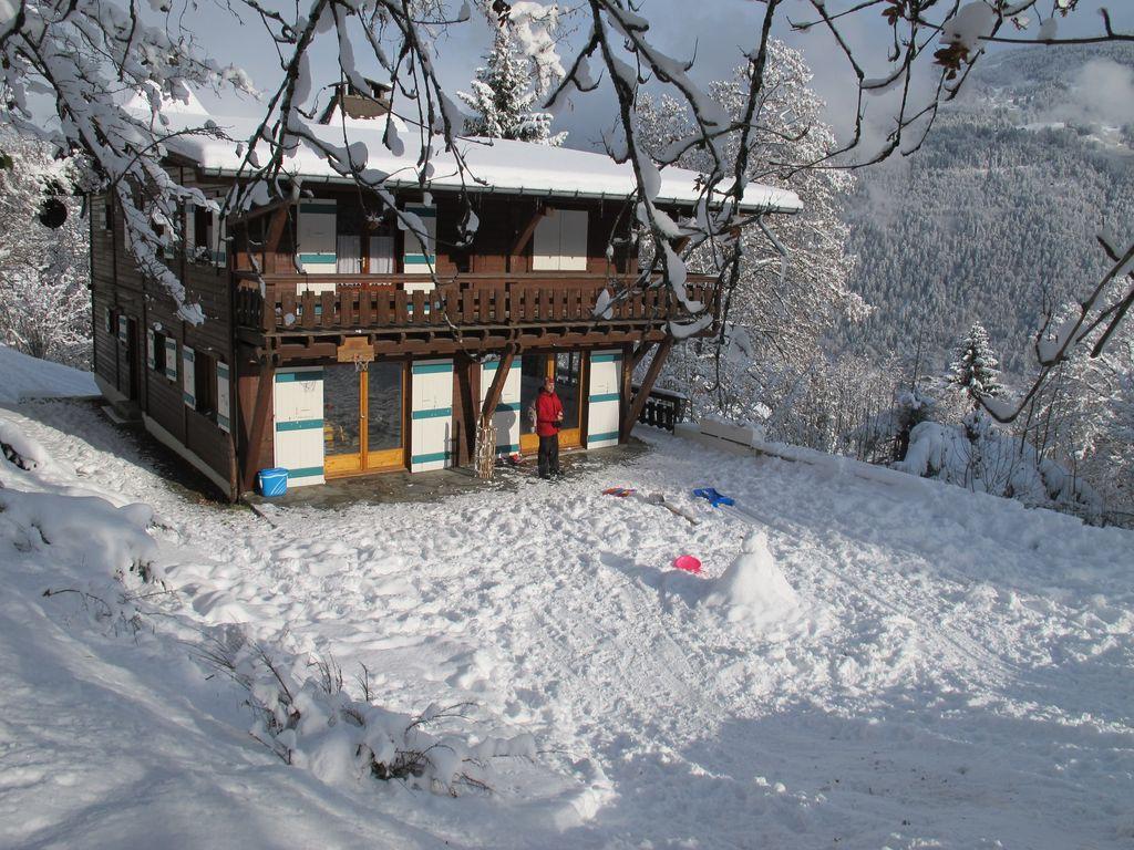 Spacious & Light ski Chalet with Mt Blanc views'