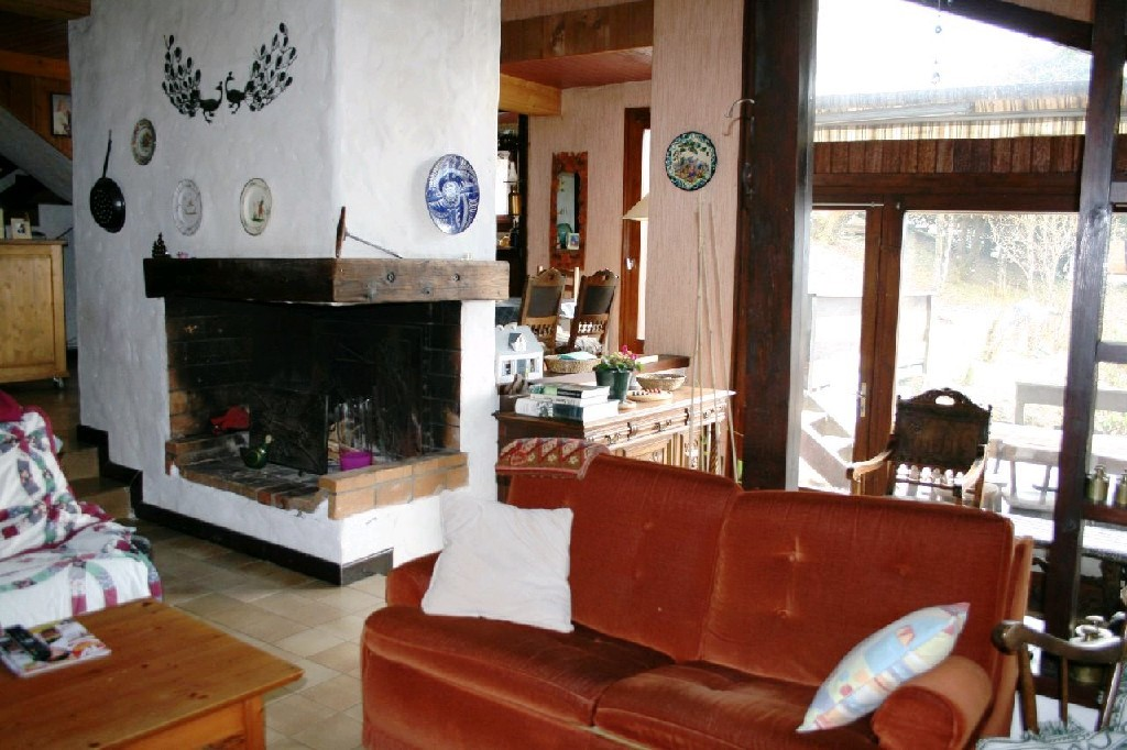Samoens chalet sitting room with fireplace