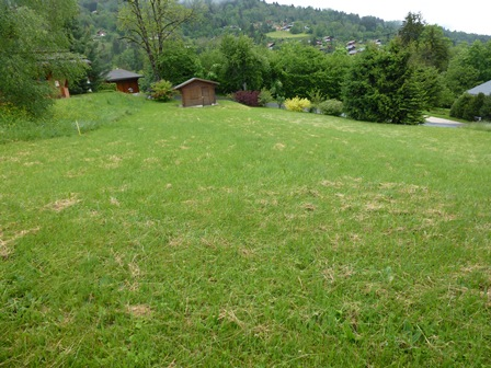 Flat plot of building land in St Gervais