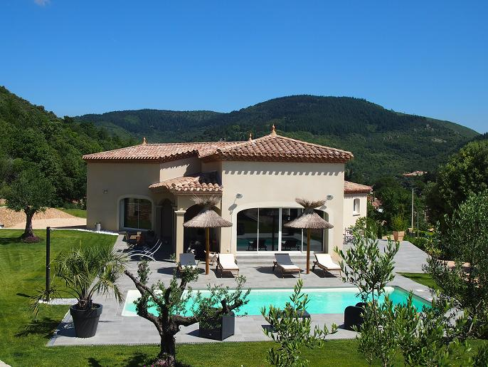Furnished Country House with Pool & Views on 1,4 Acres of La'