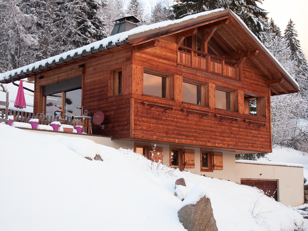 4+ bed chalet with Mt Blanc views close to pistes'
