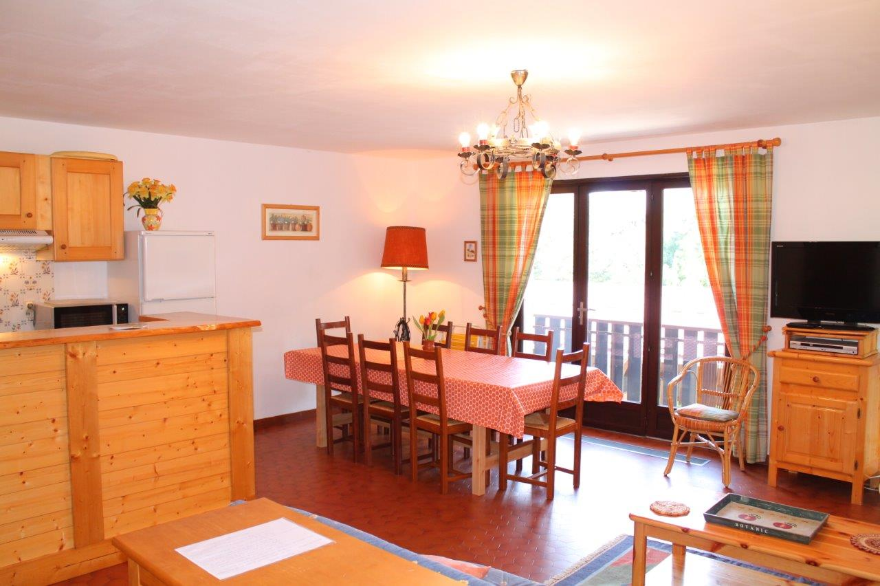 Spacious 3 Bedroom Apartment in Les Gets'