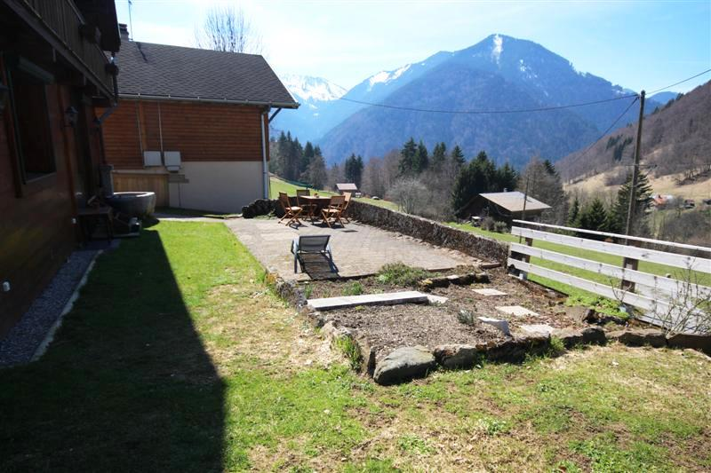 Renovated farmhouse - terrace and garden