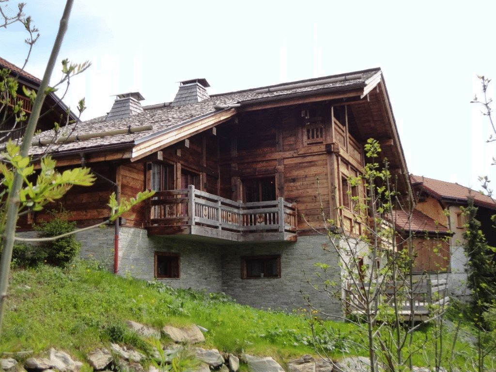 Superb New Chalet in Les Carroz'