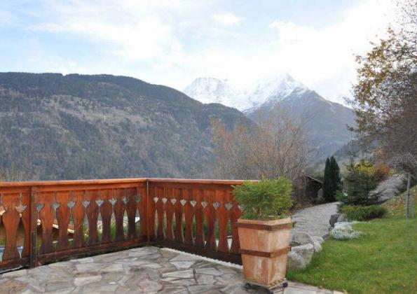 Spacious 3 bedroom chalet'
