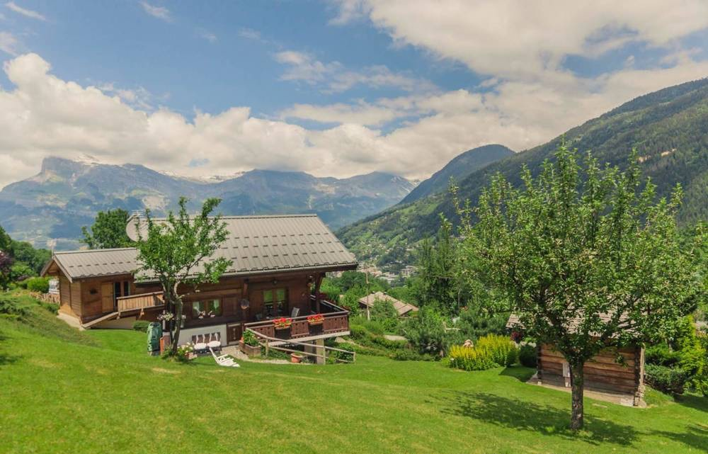 4 bedroom chalet facing Mt Blanc in St Gervais'