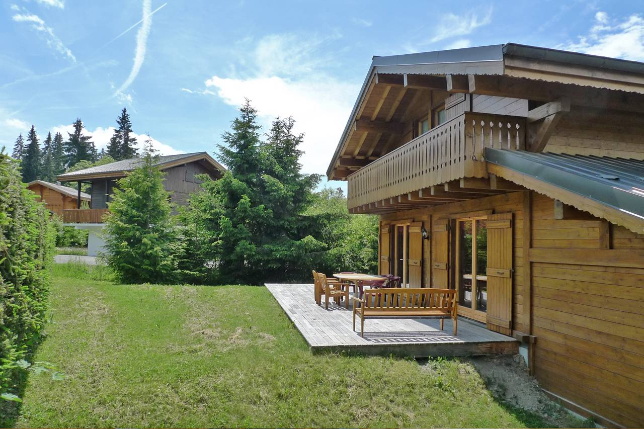 Three Bedroomed Chalet in Les Gets with Garden'