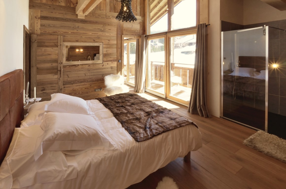 New Les Gets chalet - bedroom