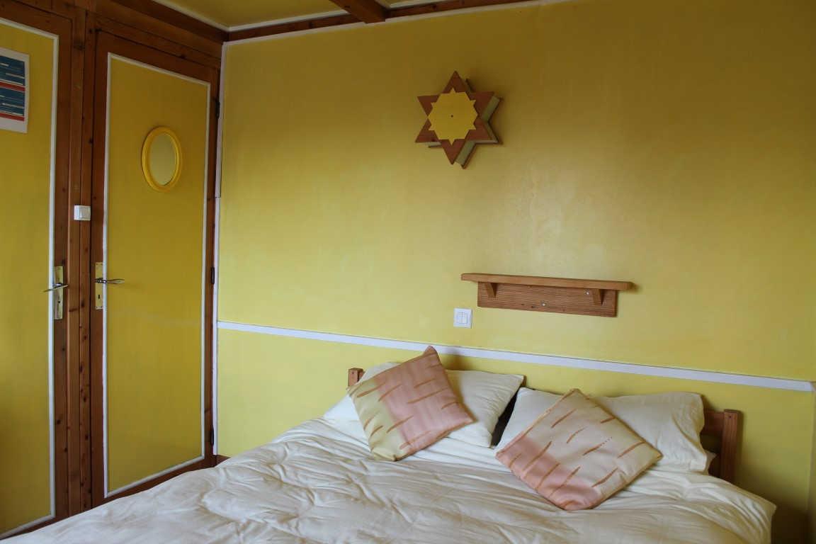 The yellow bedroom