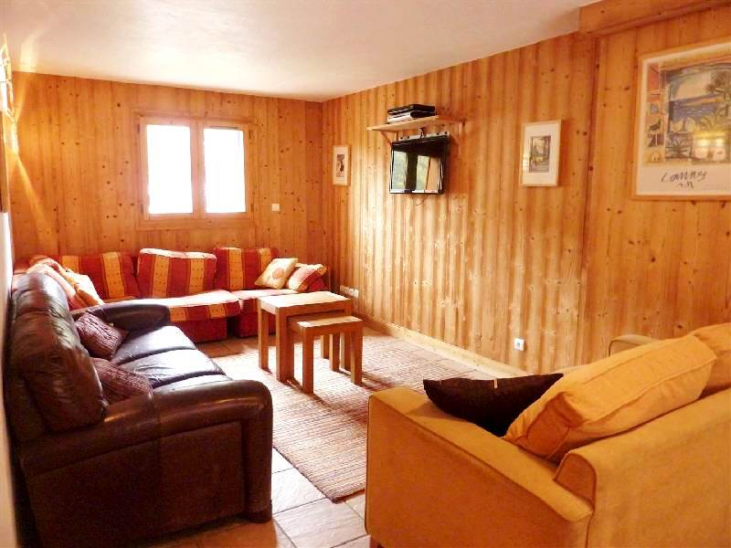 Three Bedroom Apartment in Heart of Morzine'