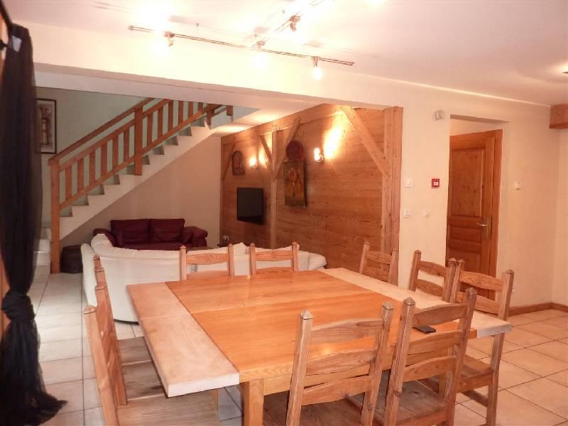 Morzine duplex dining area