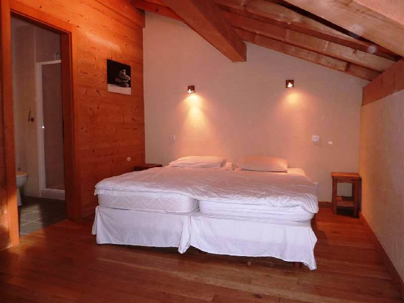 Morzine duplex - one of the bedrooms