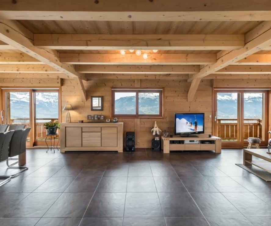 Modern spacious chalet between St Gervais & Megeve'