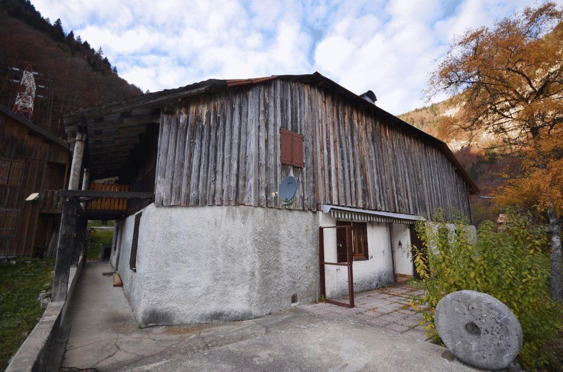 Farmhouse for Sale near Les Gets'