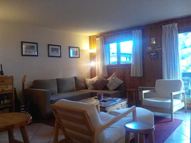 Spacious 2 bed apartment next to ski lift'