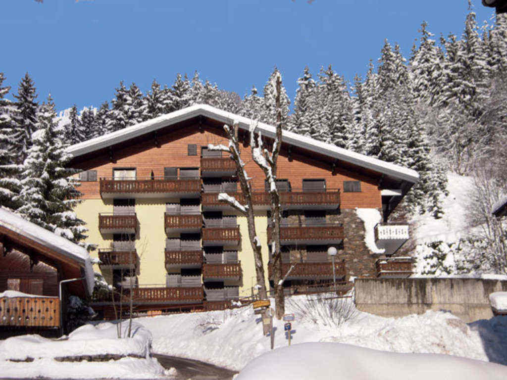2 'Plus' Bedroomed Apartment in Petit Chatel'