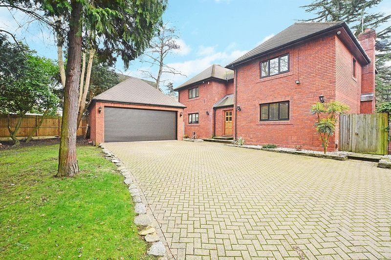Stevens Lane, CLAYGATE, Esher, Surrey