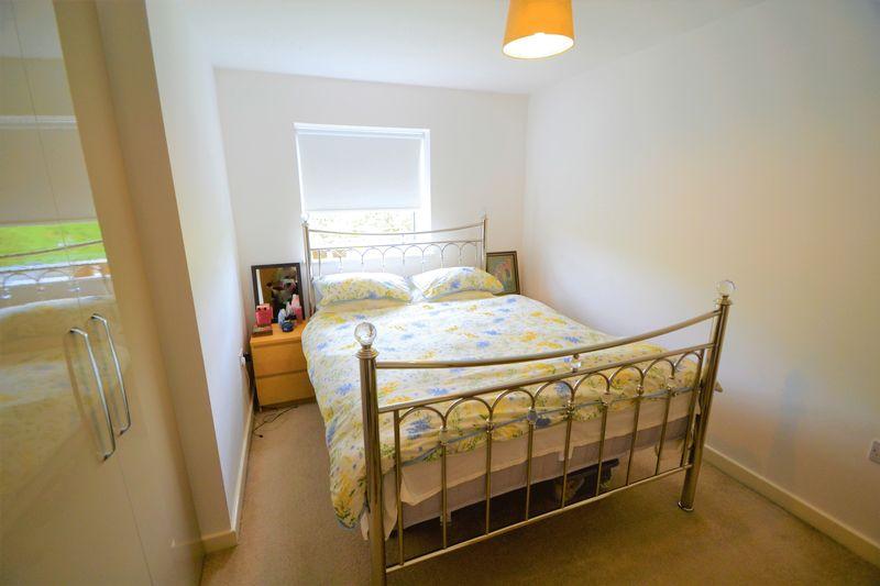 2 Bedroom Upper Floor Flat Apartment Or Studio To Rent - Photo 6