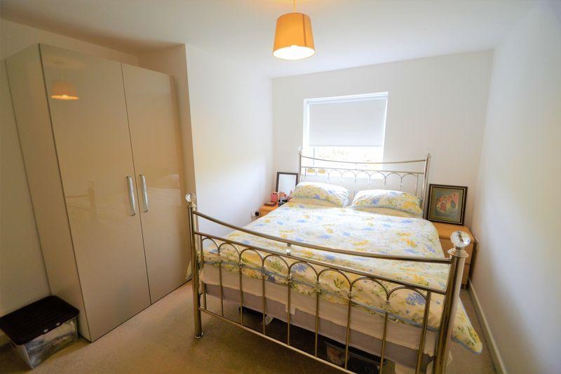 2 Bedroom Upper Floor Flat Apartment Or Studio To Rent - Photo 7
