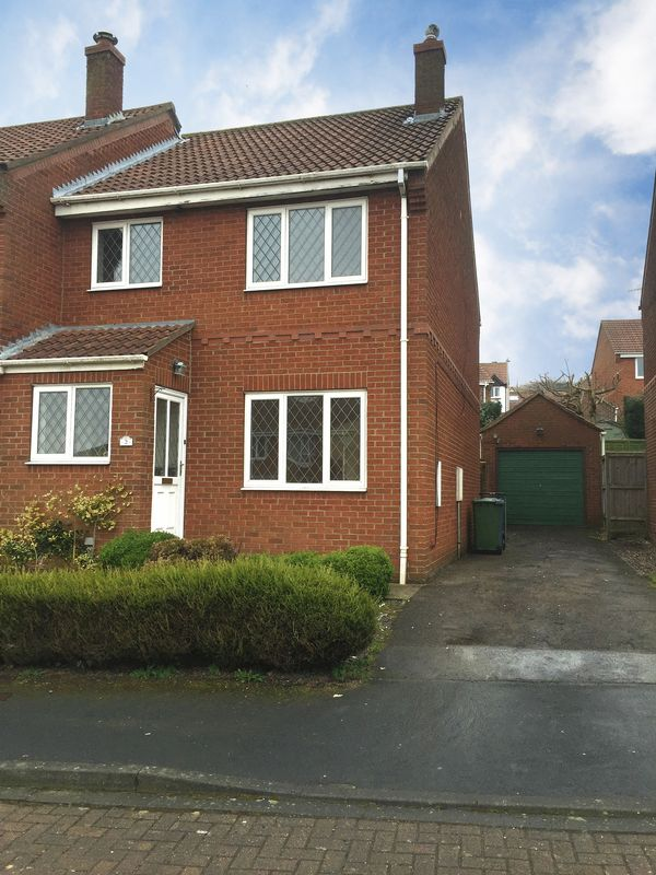 3 Bedrooms Property for sale in Loftus Close, Scarborough