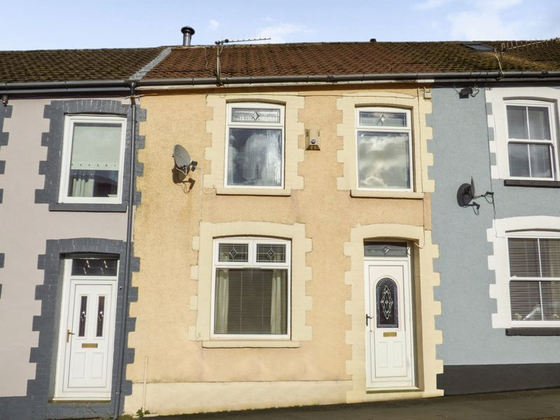 3 Bedrooms Property for sale in Ynysfeio Avenue, Treorchy