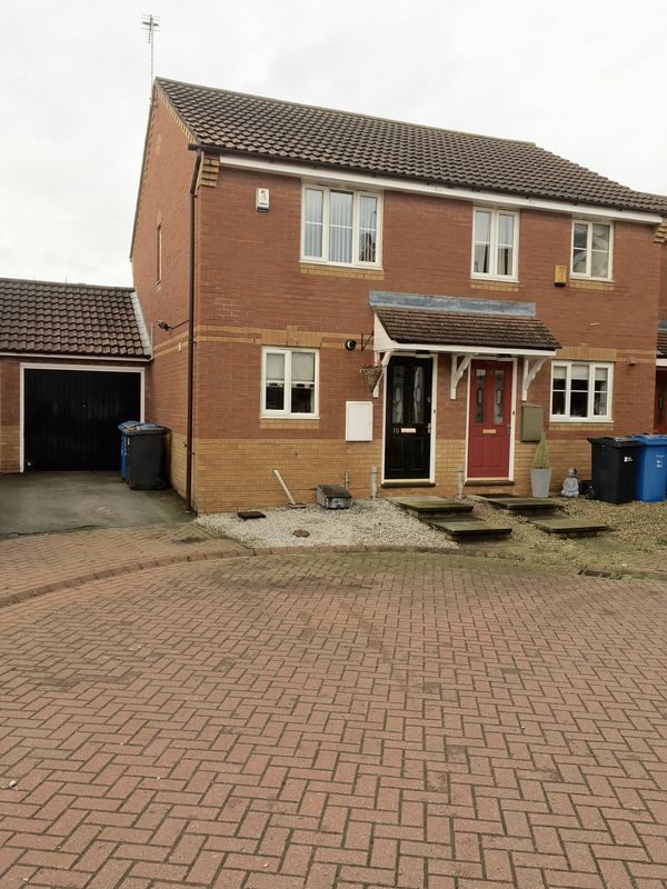 2 Bedrooms Property for sale in Findon Close, Hull