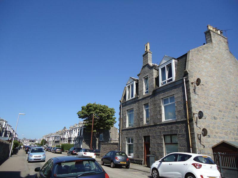 1 Bedroom Property for sale in Elmfield Avenue, Aberdeen