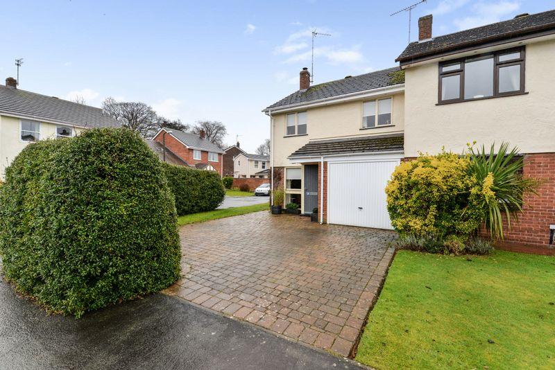 3 Bedrooms Property for sale in Woodlands Way, Tarporley