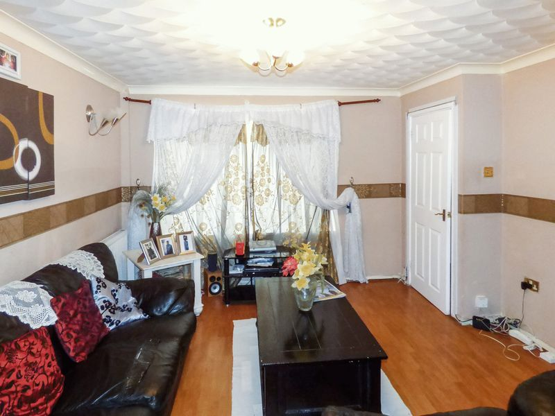 3 Bedrooms Property for sale in Leycroft Gardens, Erith