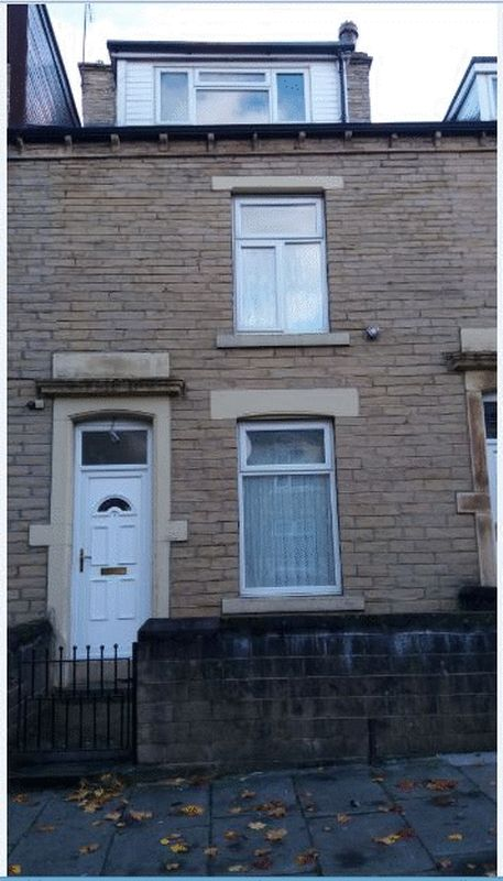 4 Bedrooms Property for sale in Donisthorpe Street, Bradford
