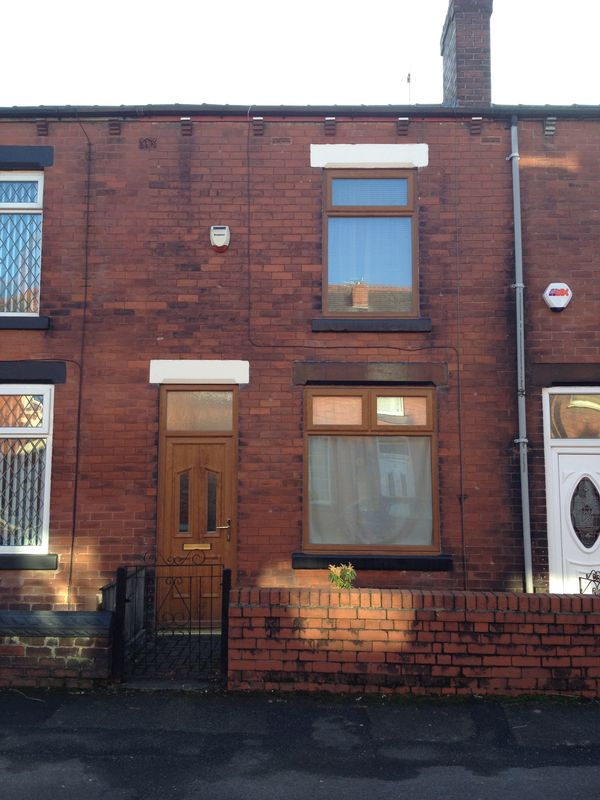 2 Bedrooms Property for sale in Wesley Street, Bolton