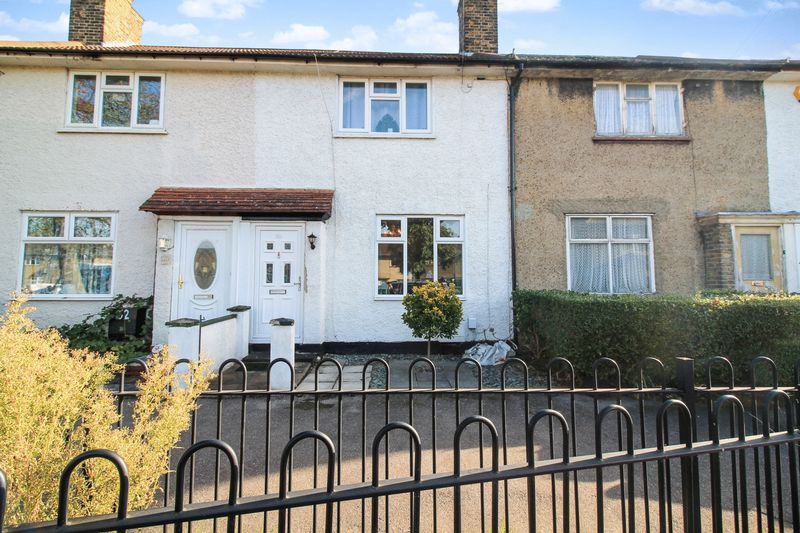 2 Bedrooms Property for sale in Coombes Road, Dagenham
