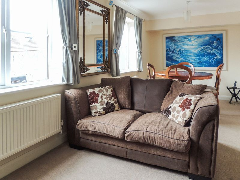 2 Bedrooms Property for sale in Medley Court, Exeter