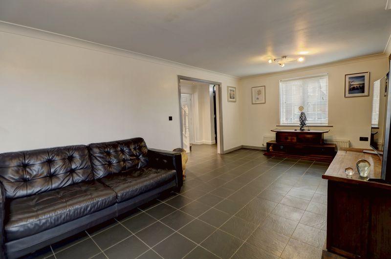 property-620881476