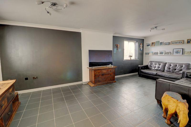 property-620881474