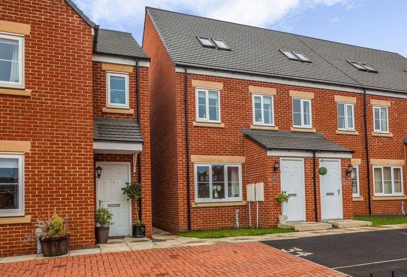 3 Bedrooms Property for sale in Sandringham Way, Chester Le Street