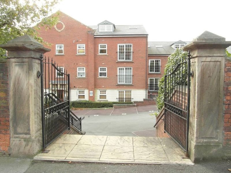 2 Bedrooms Property for sale in St Christophers Walk, Wakefield