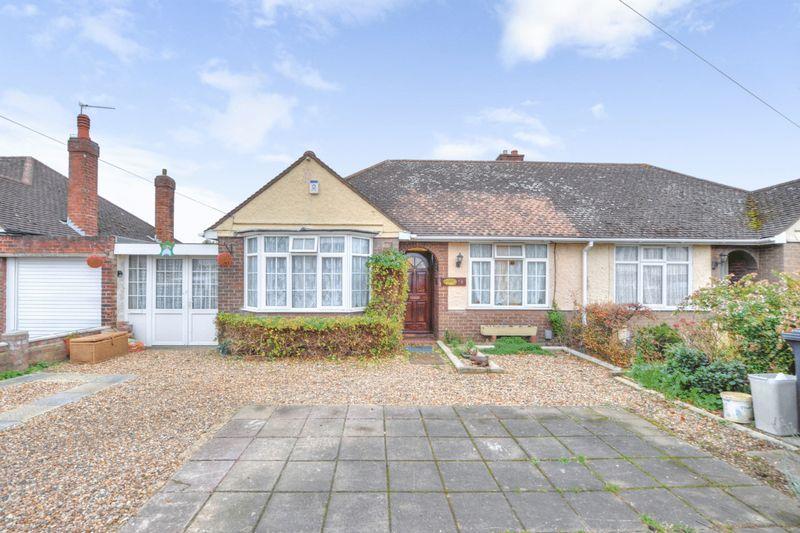 3 Bedrooms Property for sale in Aylesbury Road, Bedford