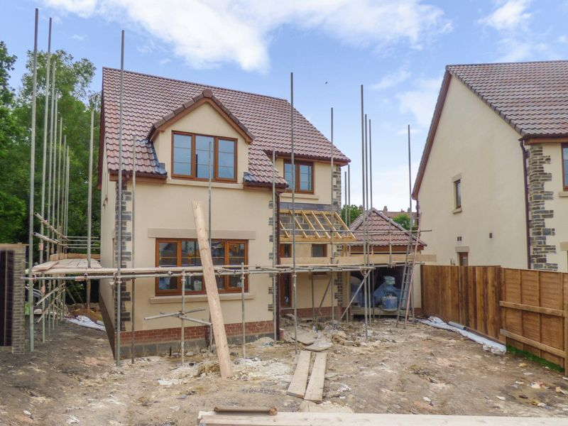 4 Bedrooms Property for sale in Greensbrook, Bristol