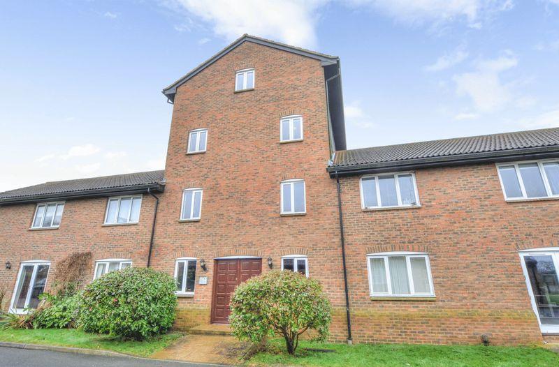 3 Bedrooms Property for sale in Warren Road, Milton Keynes
