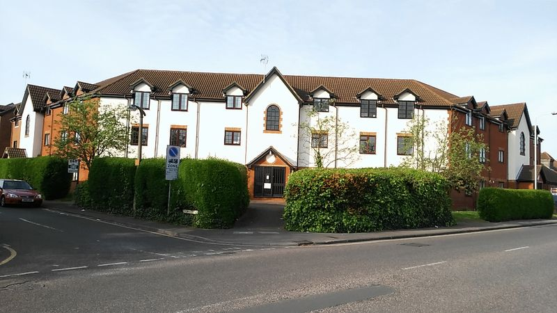 2 Bedrooms Property for sale in Cromwell Road, Letchworth Garden City