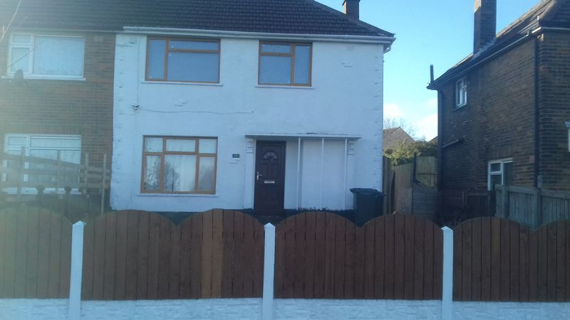3 Bedrooms Property for sale in Broadstone Way, Bradford