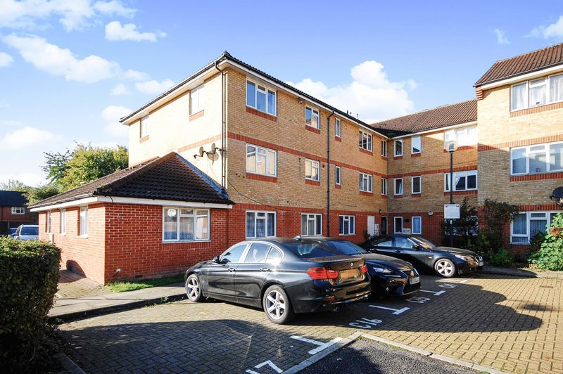 2 Bedrooms Property for sale in Cambridge Close, London