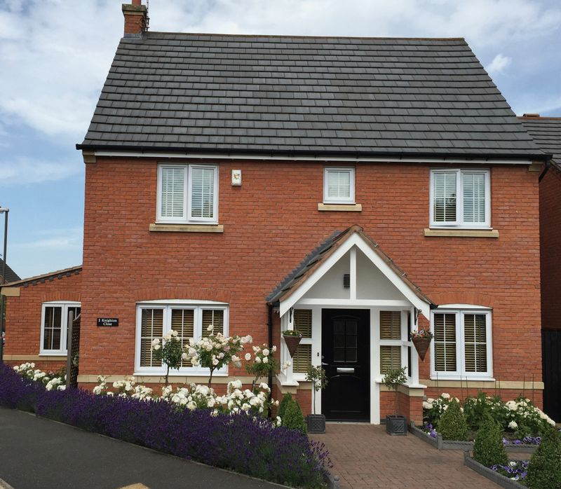 4 Bedrooms Property for sale in Knighton Close, Chesterfield