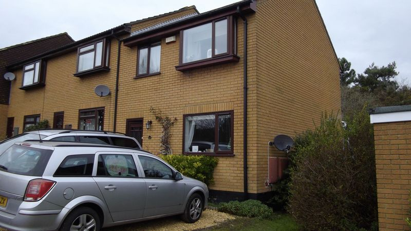 3 Bedrooms Property for sale in Heights Road, Upton, Poole