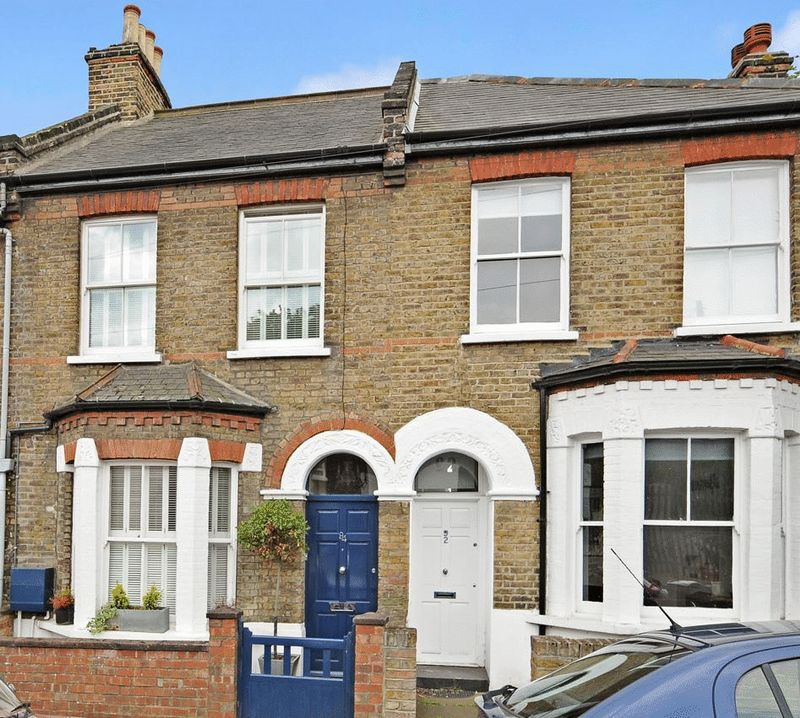 3 Bedrooms Property for sale in Wellfield Road, Streatham