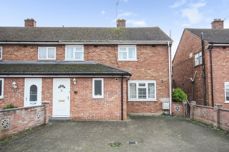 3 Bedrooms Property for sale in Berechurch Hall Road, Colchester