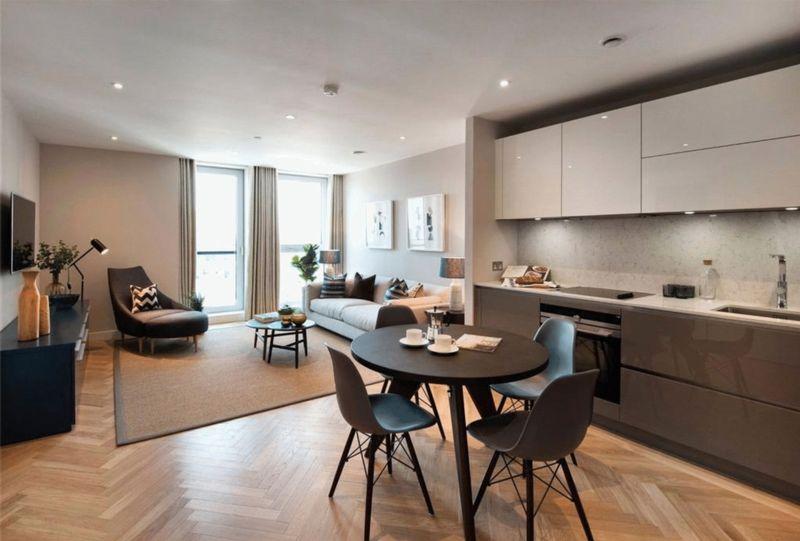 1 Bedroom Property for sale in Southwark Bridge Road, London